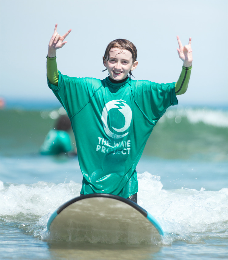 The Wave Project: the program helped over 5,000 children and young people access free surf therapy courses | Photo: The Wave Project