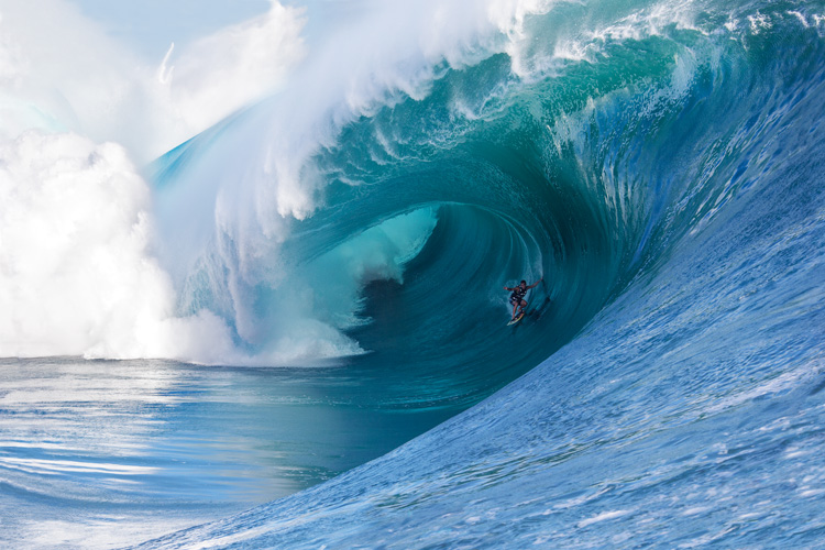 The Finest Line: Koa Rothman: explores Teahupoo's inner secrets | Photo: Fred Pompermayer