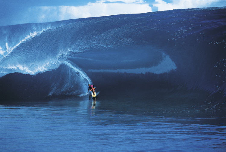 The Millennium Wave: On August 17, 2000, Teahupoo fired one of the heaviest barrels known to surfers | Photo: Tim McKenna