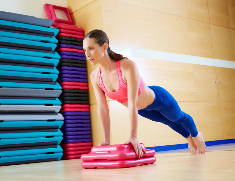 Pilates for Surfers: The Pilates Plank | Photo: Shutterstock