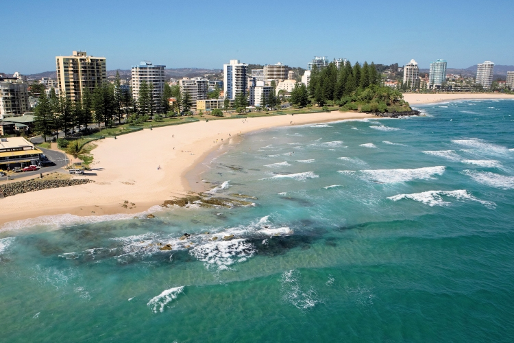 The Superbank: from Snapper Rocks to Kirra | Photo: Queensland.com