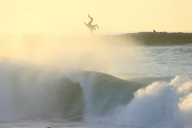 The Wedge: Southern Californians enjoys a long-period swell
