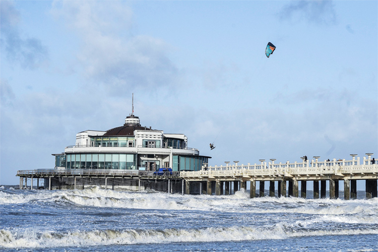 Thomas De Wispelaere: he rode his kite over the The Belgium Pier in Blankenberge | Photo: Brands/Red Bull