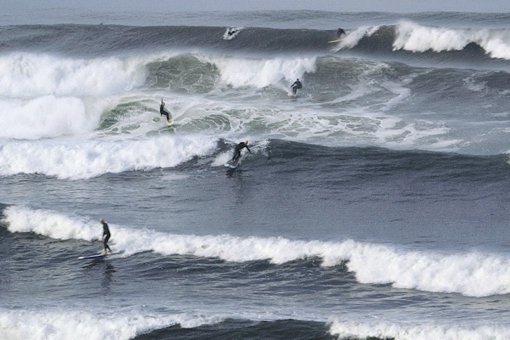 Time Collapsed Surfing: when short swell periods pump perfect waves
