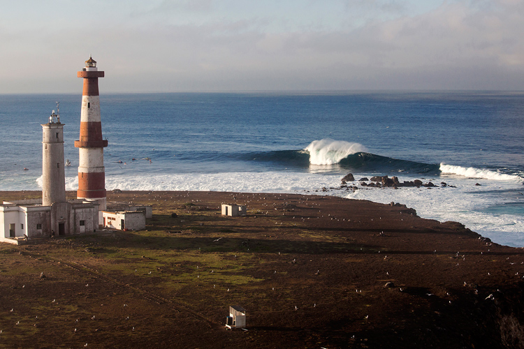 Todos Santos: the Mexican wave breaks 11 miles off the coast of Ensenada | Photo: Rowland/WSL