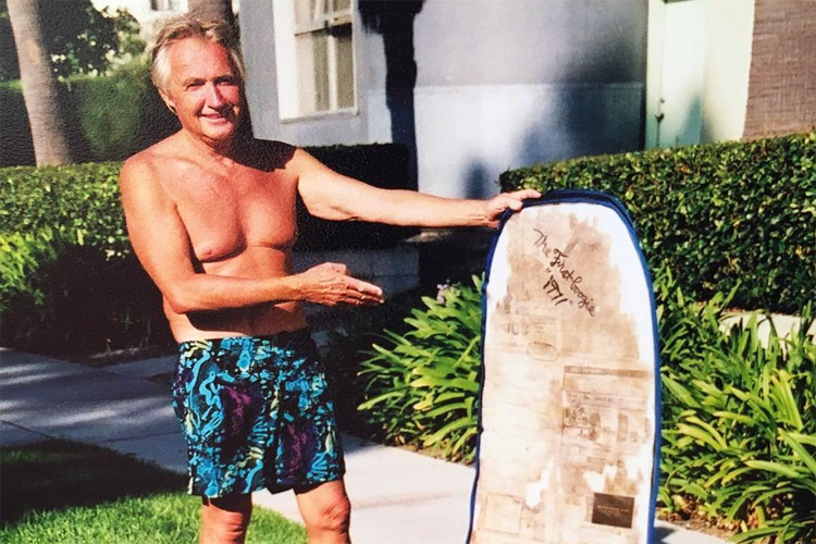 Tom Morey: the inventor of the bodyboard shows his creation