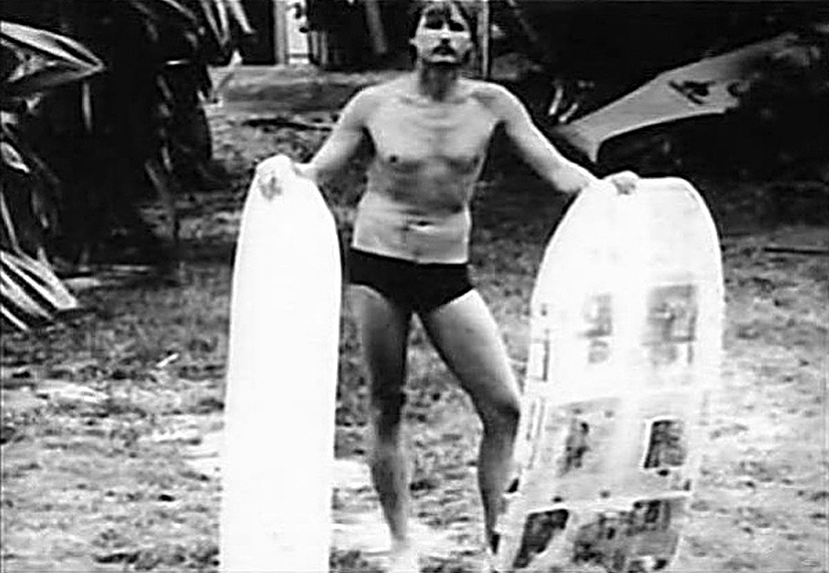 Tom Morey: the inventor shows his first bodyboard creations | Photo: Morey Archive