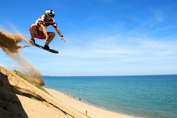 Sandboarding at Tottori Sand Dunes, Japan | Photo: Visit West Japan