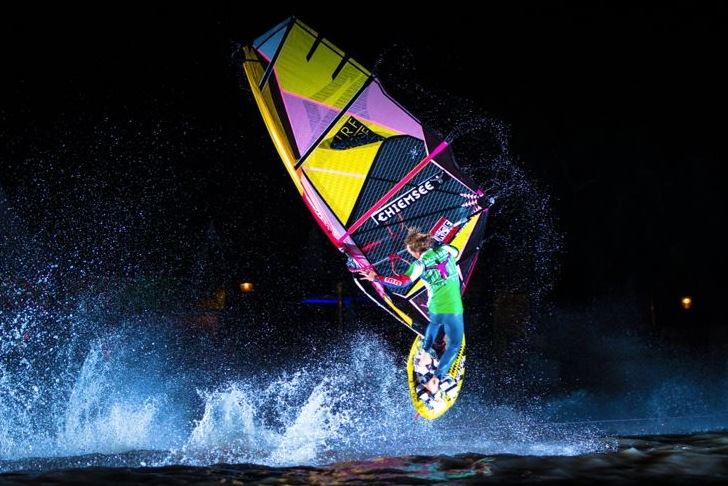 European Freestyle Pro Tour: you don't need light to show off