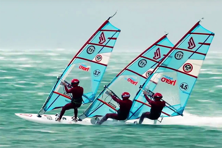 Raphael Filippi, Régis Bouron, and Matthieu Vinceneux: the tridem windsurfers