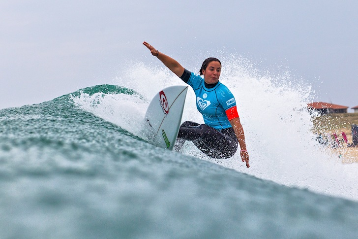 In-form Tyler Wright blasts the Roxy Pro France 2014
