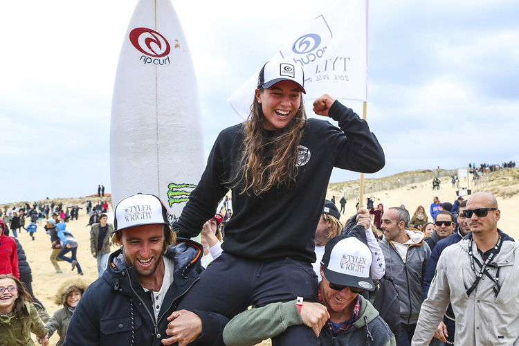 Tyler Wright: the Australian won her maiden world surfing title in France | Photo: Cestari/WSL