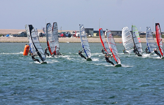UK windsurfers: the fleet is coming at full speed