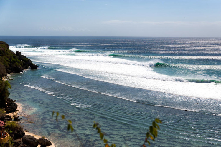 Uluwatu: one of the best surf breaks in Indonesia | Photo: WSL