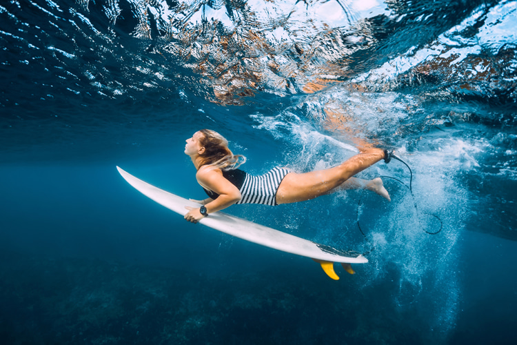 Surfing: a beautiful sport to shoot from underwater   Photo: Shutterstock