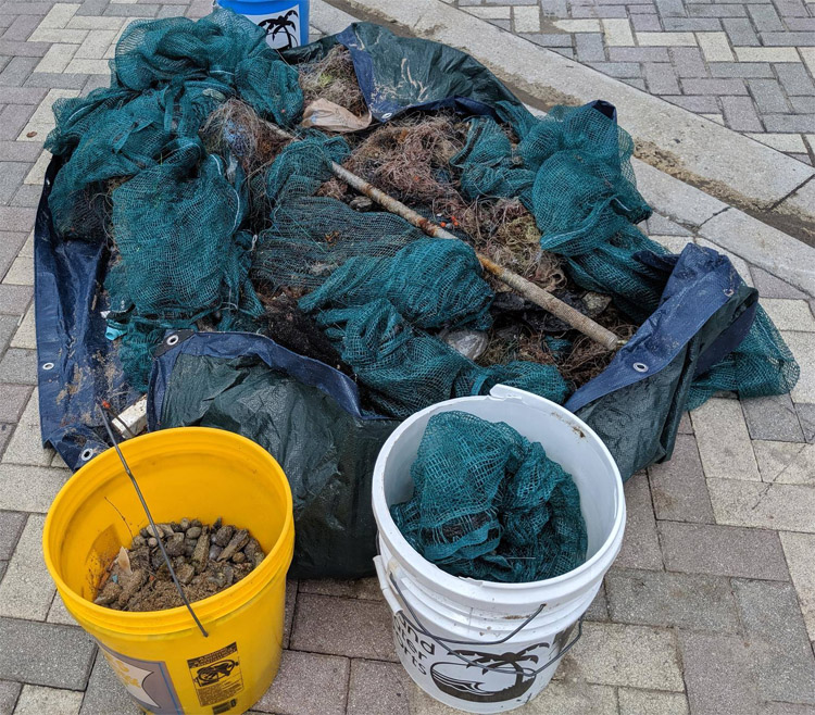 Fishing gear: diving instructors collected 3,200 pounds of fishing gear from the Deerfield Beach coastline | Photo: PADI