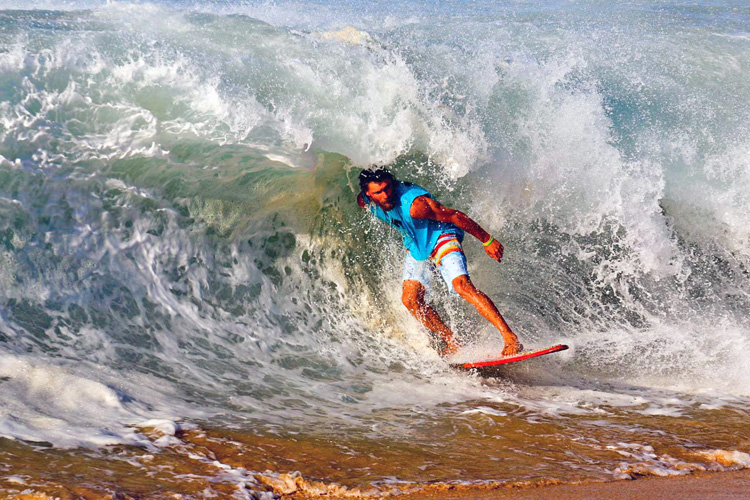 United Skim Tour: shore break madness | Photo: Skimonline.com