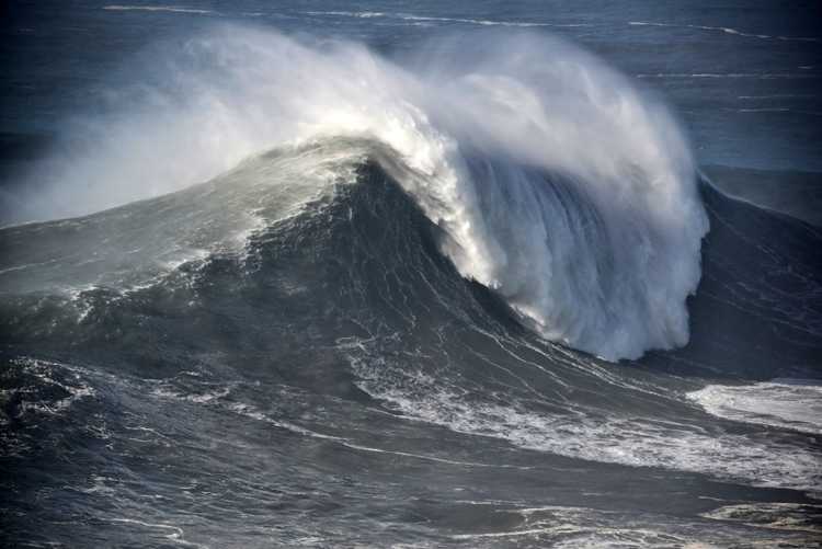 How To Successfully Ride A Big Wave In Nazare