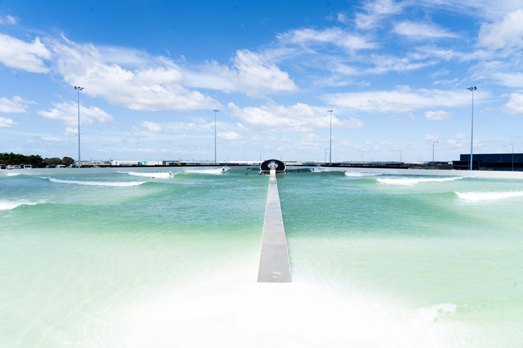 UrbnSurf Melbourne: the first Wavegarden Cove in the Southern Hemisphere | Photo: Wavegarden