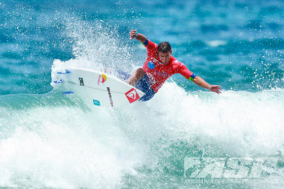 Vasco Ribeiro: is he the next Portuguese surfer on the WCT?