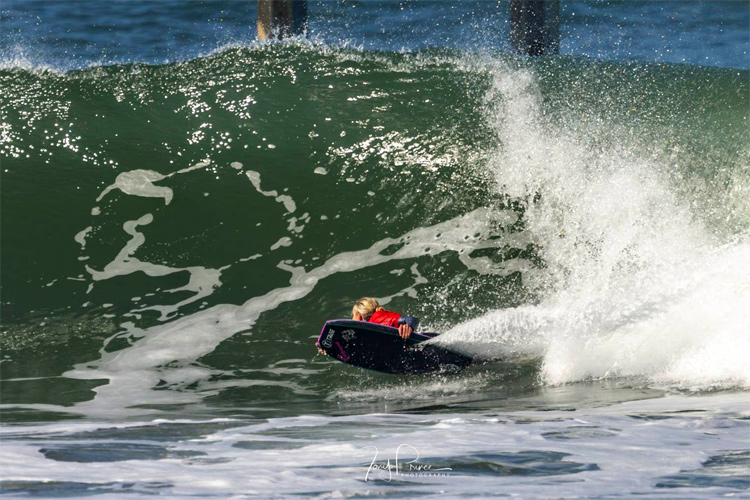 Vicki Reale: performing a beautiful bottom-turn at Ocean Beach, San Diego | Photo: Tony Prince