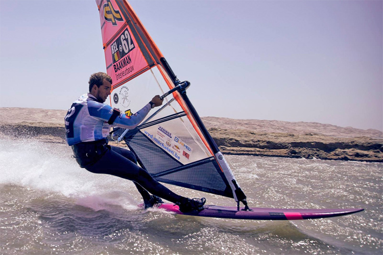 Vincent Valkenaers: racing at 53.25 knots in the Luderitz speed strip | Photo: LSC