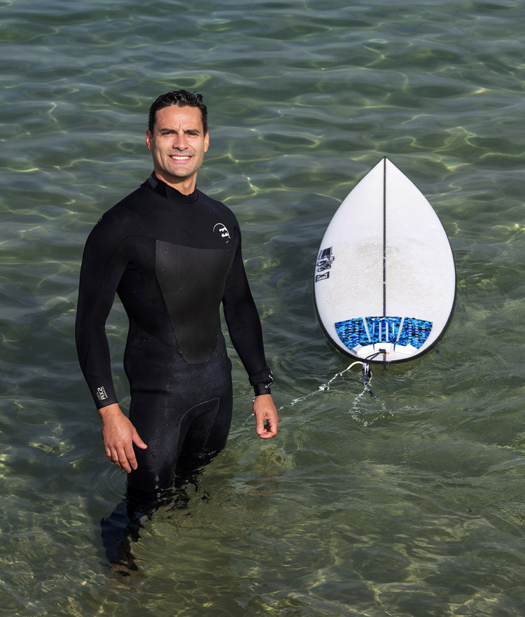 Vini Simas: surfing improves bone density and strength for men aged between 50 and 75 | Photo: Bond University