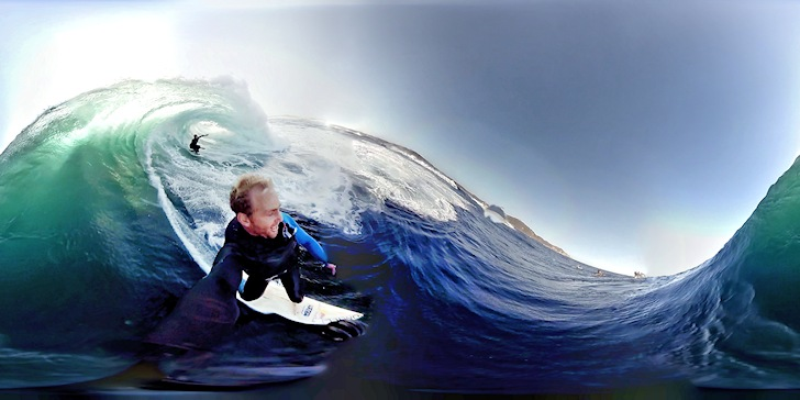 Surfing: when virtual reality gets into play