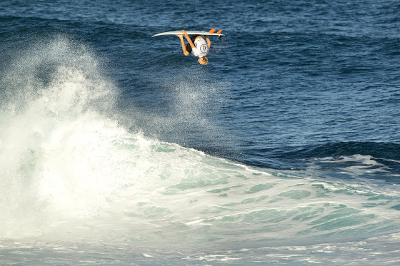 Volcom Pipe Pro: the photo is ok, the surfer isn't