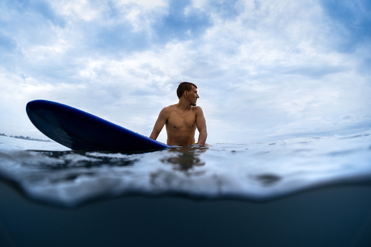 Surfing: are we doing it for ourselves or to impress others? | Photo: Shutterstock