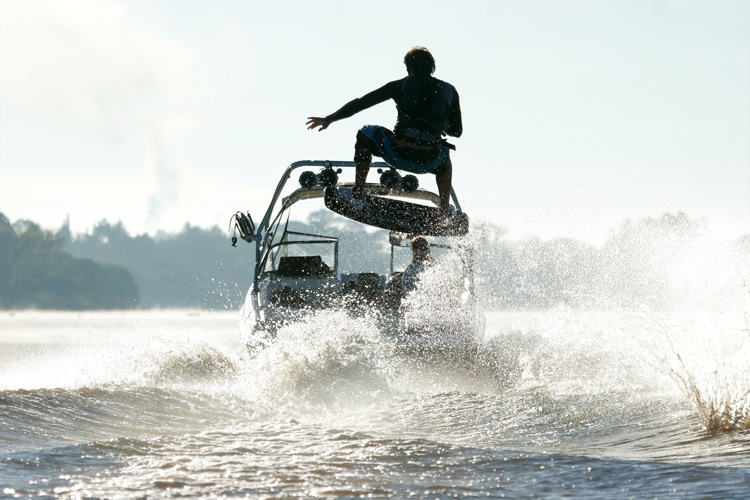 Wakeboards: rocker and flexibility are main characteristics
