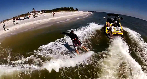 Skimboarding: the power of the wake