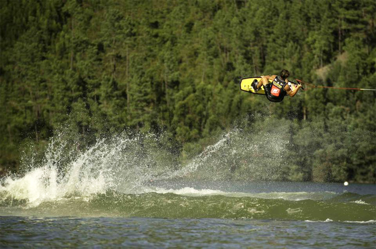 Nautique European Pro-Am 2016: three days of intense wakeboarding in Castelo de Bode | Photo: Rodrigo Donoso