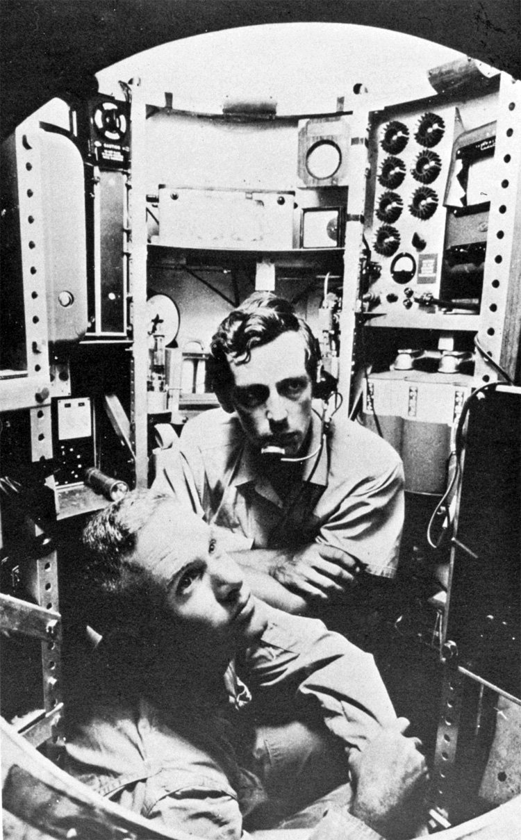 Jacques Piccard (up) and Don Walsh (down): the first explorers to reach the Challenger Deep | Photo: Creative Commons