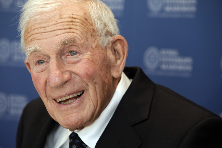 Walter Munk: surf forecasting pioneer | Photo: Scripps UCSD