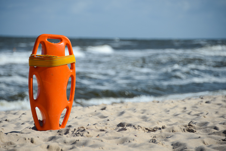 Beach: respect and follow the basic water safety tips for a pleasant day at the beach | Photo: Shutterstock