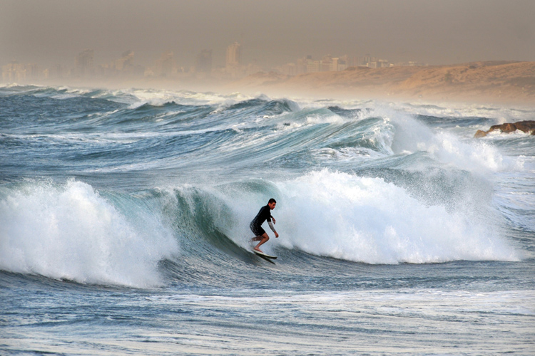 Surfing: access to public beaches may be denied during pandemic times | Photo: Shutterstock