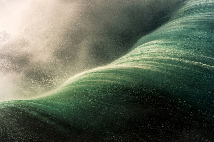 Waves: eminently powerful and ferocious but heart-stoppingly beautiful | Photo: Ray Collins