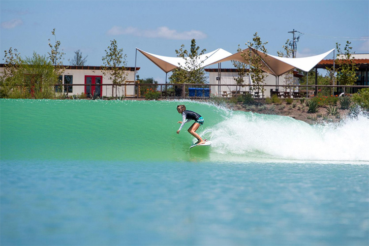 Wavegarden: we want a surf pool in the Sahara Desert