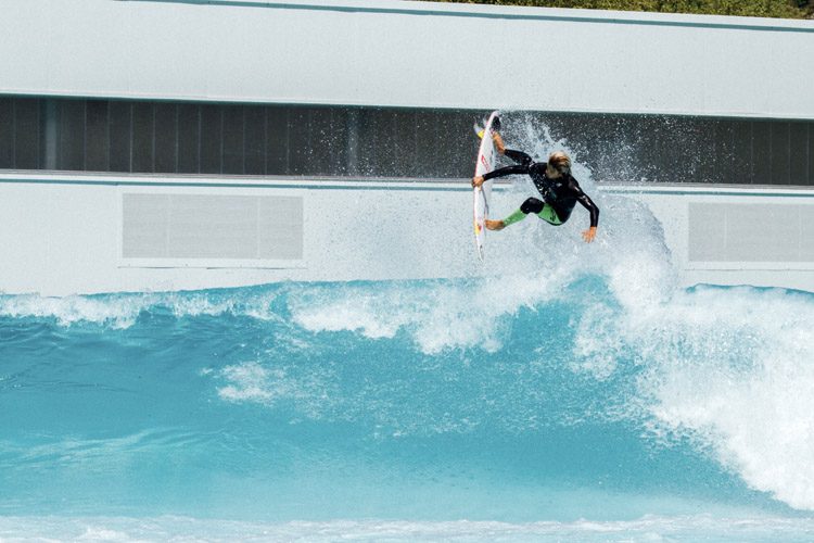 The Wavegarden Cove: plenty of wave face area for airs | Photo: Wavegarden
