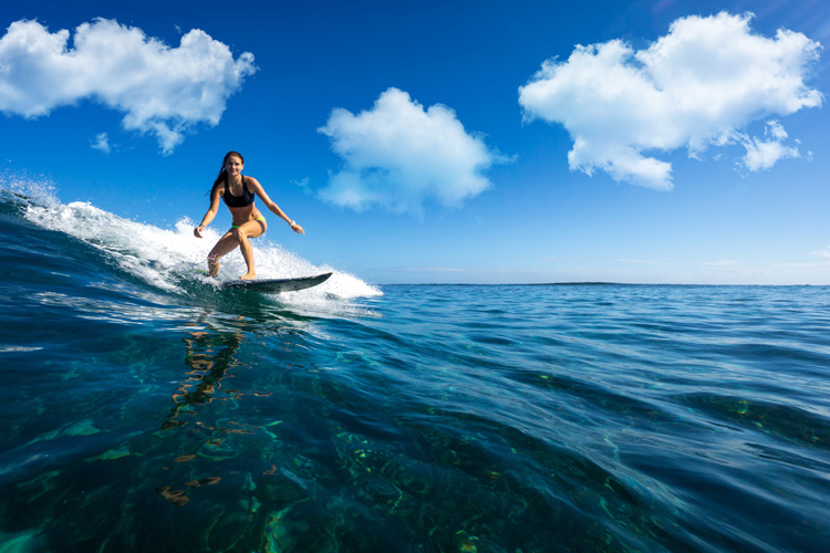 Wave rider: there are nearly 40 million surfers worldwide | Photo: Shutterstock