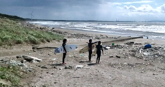 We Are All Radioactive: Japanese surfers select a non-nuclear surf spot