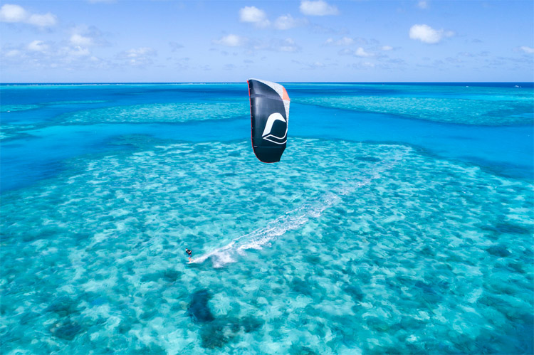 Ben Wilson: kitesurfing the turquoise waters of the Great Barrier Reef | Photo: Ben Wilson Surf