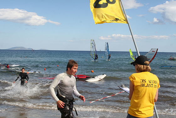 3S Wind Blast: windsurfer in a hurry