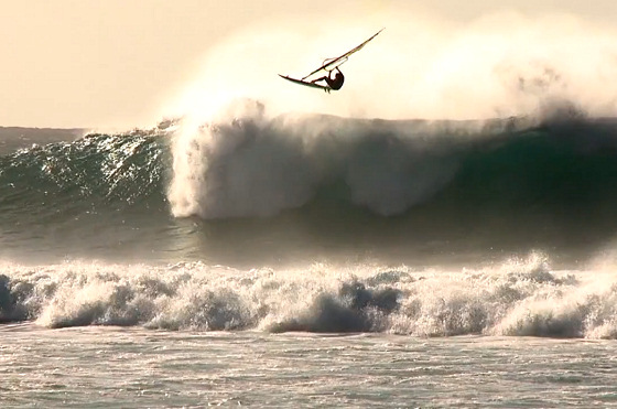 Backyards: a perfect windsurfing session