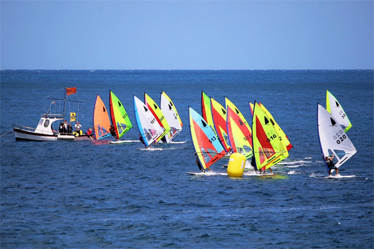 Windsurfer Class: simple, spectacular and inexpensive | Photo: Windsurfer Class