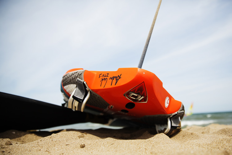 The different types of windsurfing fins