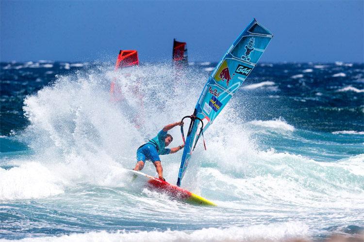 Windsurfing: correct your mistakes and improve your sailing skills | Photo: Carter/PWA