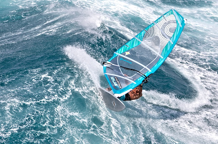 Windsurfing: perform better when you're over 40 | Photo: NeilPryde