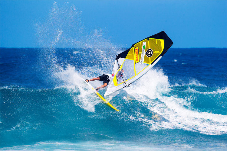 Wave sailing: one of the most exciting disciplines in windsurfing | Photo: Carter/PWA